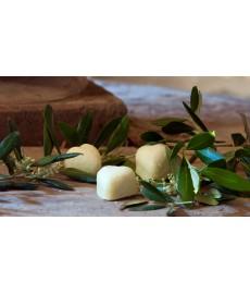 Seifenherz aus extra nativem Olivenöl und Olivenextrakt