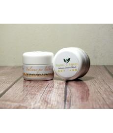 Lippenbalsam mit Olivenöl und Orangenblütenhonig
