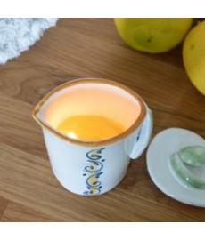 Massage-Kerze mit Nativem Olivenöl Extra und ätherischem Zitronenöl